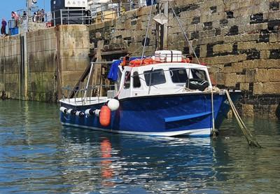 4hr boat rental newquay cornwall